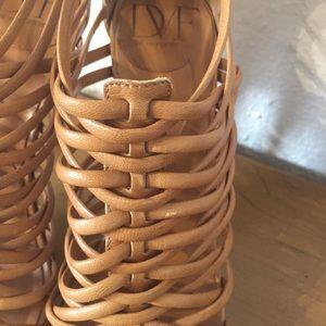Diane Von Furstenberg Shoes - Diane Von Furstenberg strappy platform heels 38